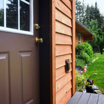 Make Your Home Stand Out from the Crowd with Cedar Siding