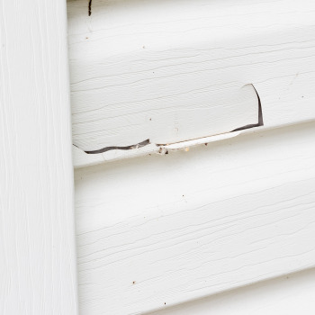 Should My Cracked Vinyl Siding Be Resealed or Replaced?