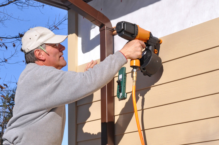 Hardie Siding Installation: DIY or Certified Contractor?